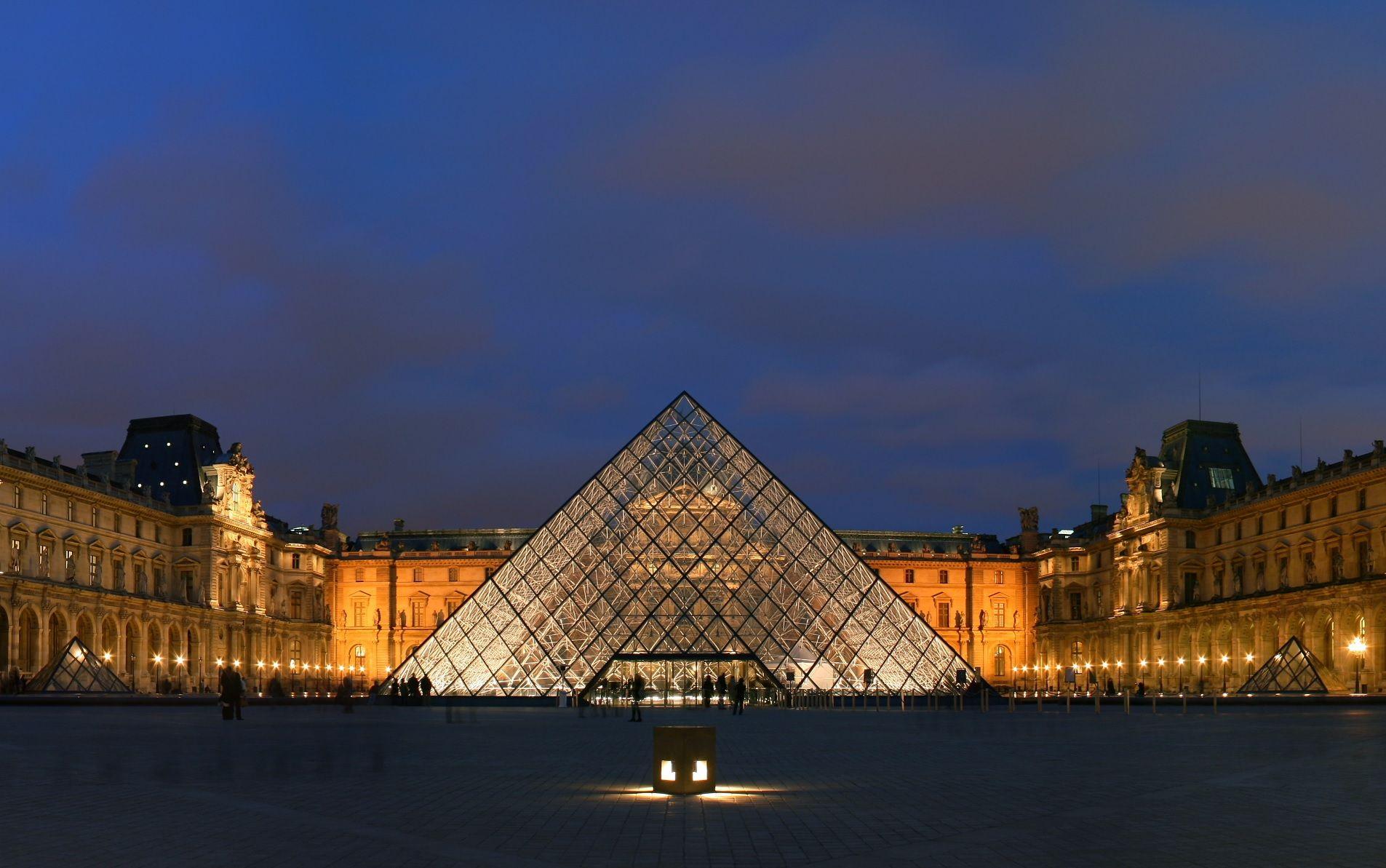 El #Museo del #Louvre es uno de los más importantes del mundo. Está ubicado en #Paris, en el antiguo palacio real del Louvre