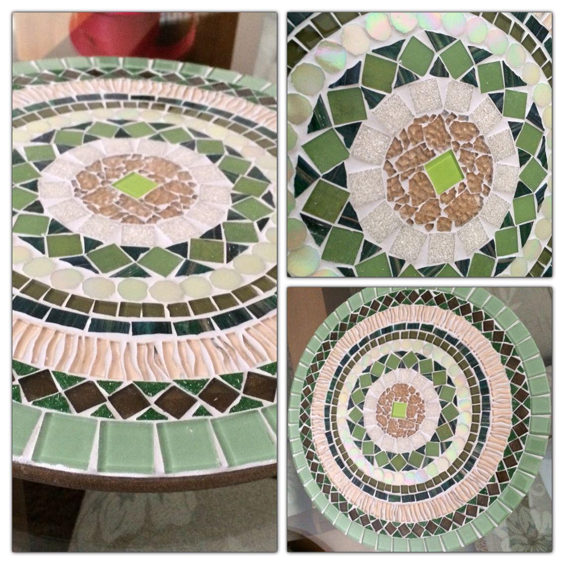 Base em MDF em mosaico em pastilha