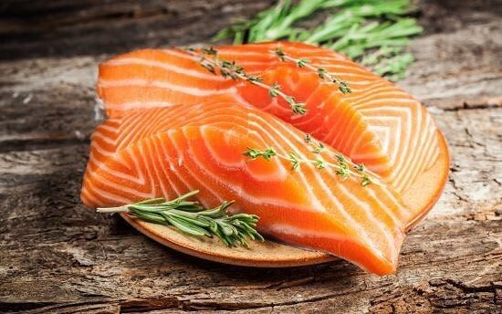 #Salmon is widely considered to be the king of fishes owing to its rich #taste and the numerous #health benefits associated with it.  Rich in #minerals #proteins and #vitamins salmon helps in reducing #insulin levels and improves #heart and #brain health.  An excellent source of essential #oils and #omega3fattyacids consuming salmon gives you a #glowingskin and #lustroushair! Prevents #maculardegeneration and improves vision…