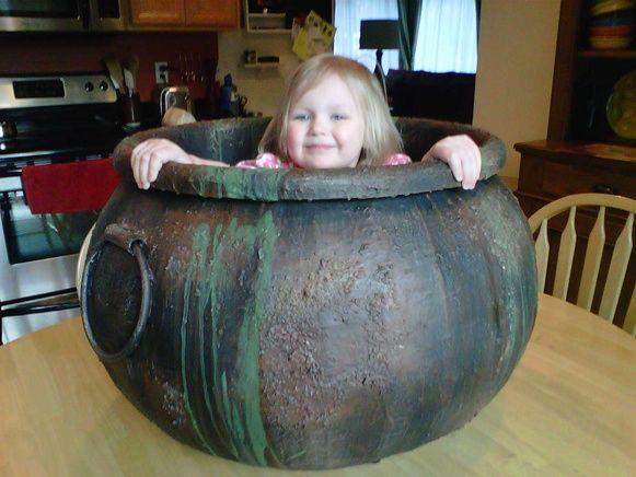 diy how to make a large cauldron hocus pocus halloween party decorations ideas