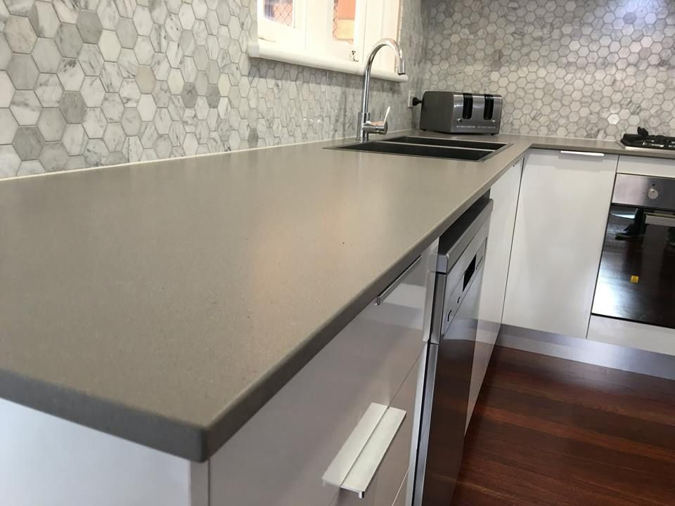 Contemporary Kitchen Featuring Caesarstone Raw Concrete Benchtop