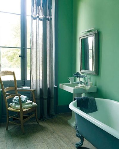 Vert profond salle de bain pinterest vert salle de for Deco salle de bain vert menthe