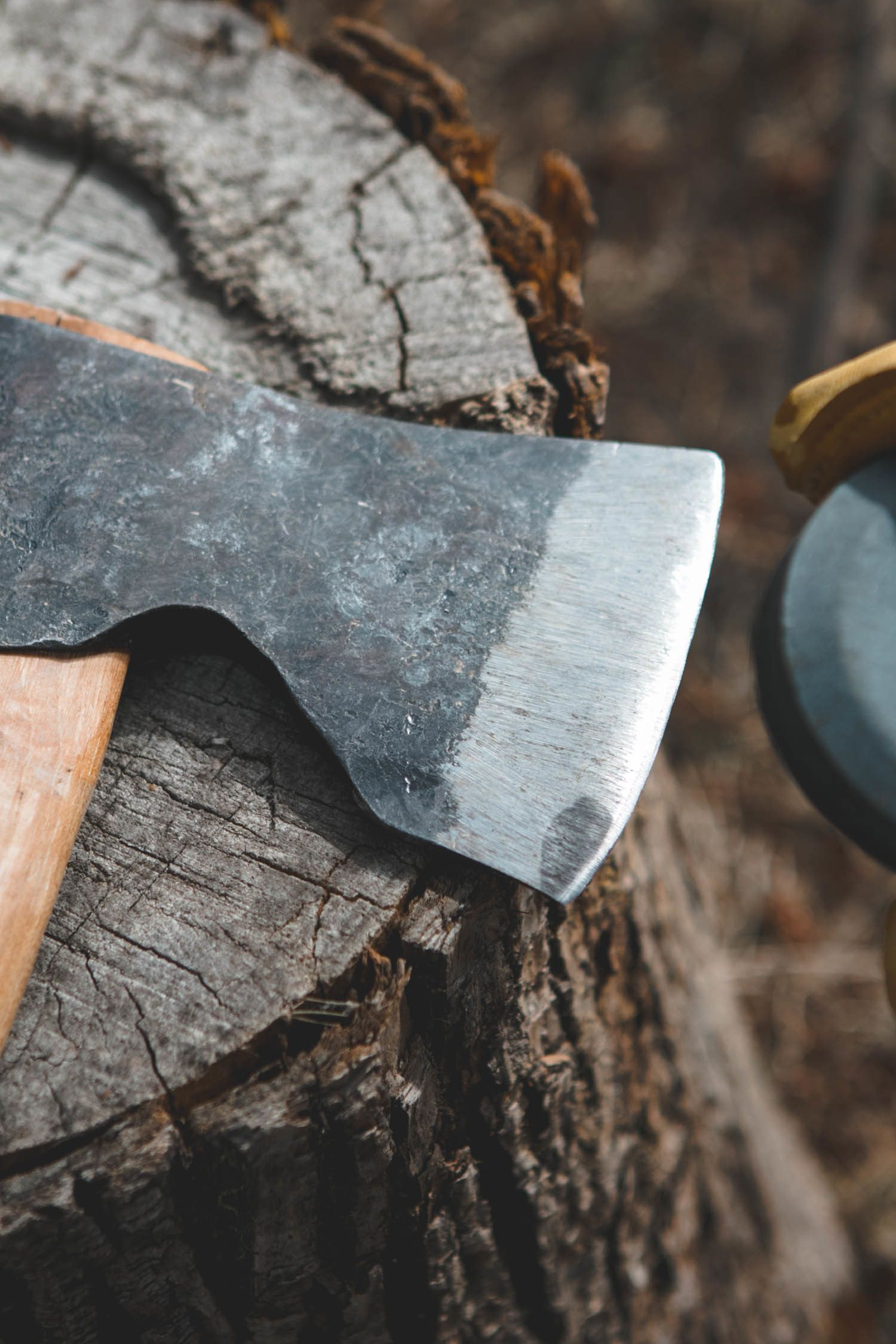 How To Sharpen An Axe Get Back To Chopping Wood In 5 Minutes Axe Splitting Axe Farm Tools