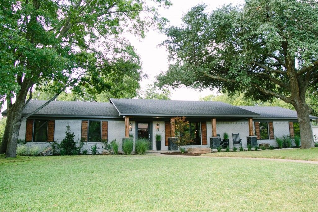Fixer Upper Paint Color In 2019 Painted Brick Ranch