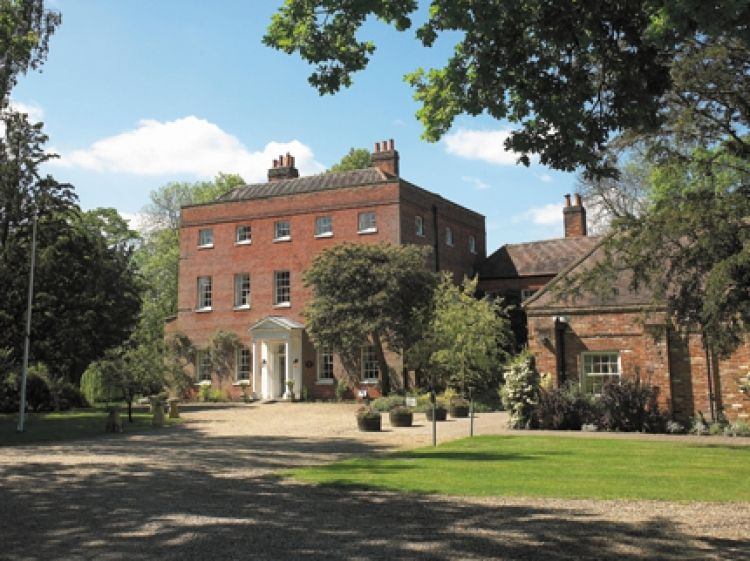 Mulberry House Wedding Venue In Ongar Es