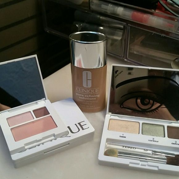 Clinique Bundle Pore refining foundation in shade 2 - Alabaster  (very fair neutral) about 1/3 of the bottle left (I used it over summer, and it's now too dark) eyeshadow duo/blush and two eyeshadow sets. Clinique Makeup