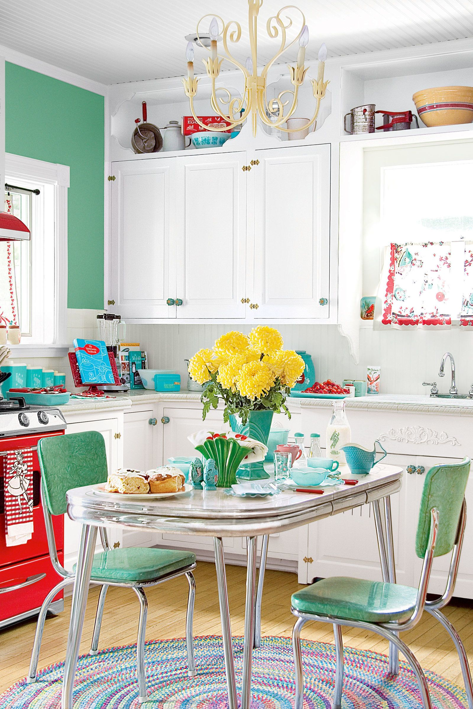 11 Retro Diner Decor Ideas for Your Kitchen | Red leather, Diners ...