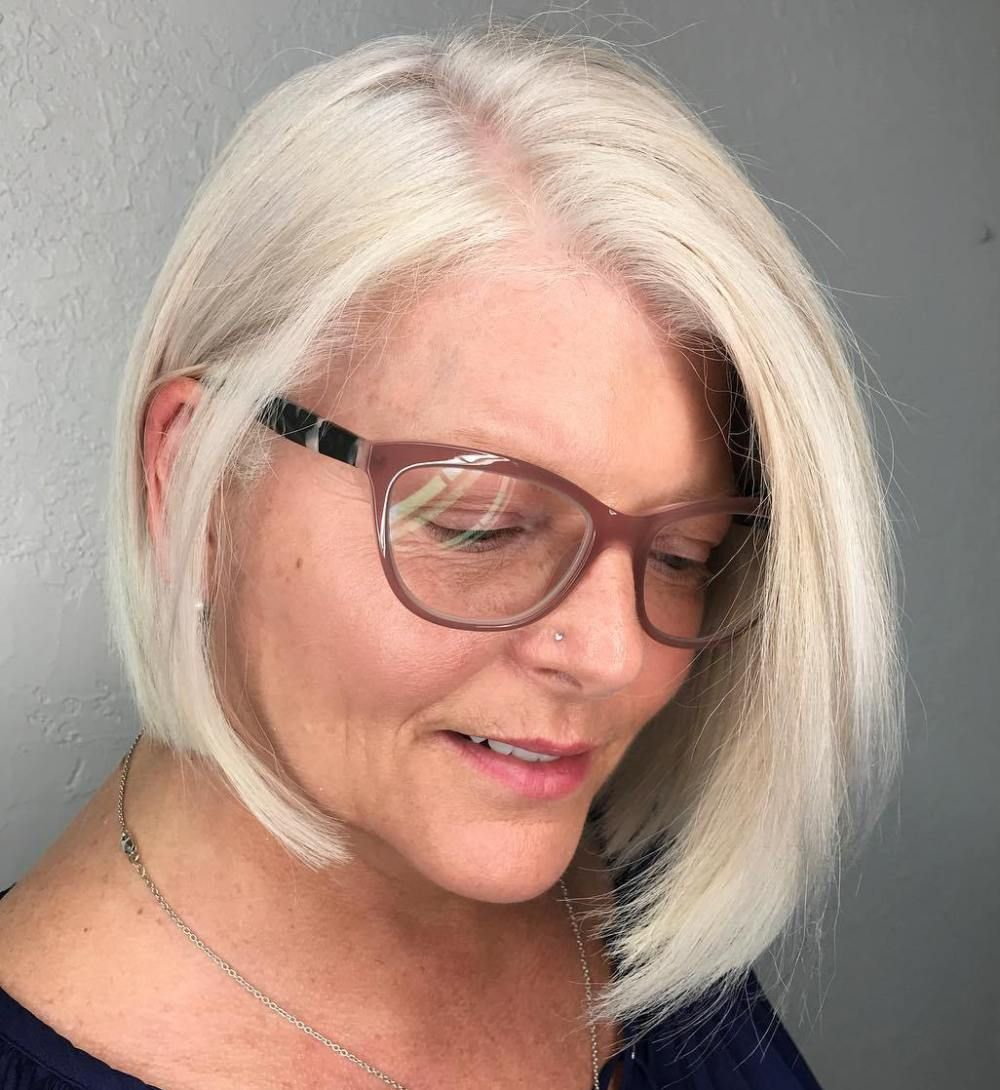20 universally flattering hairstyles for women over 50 with