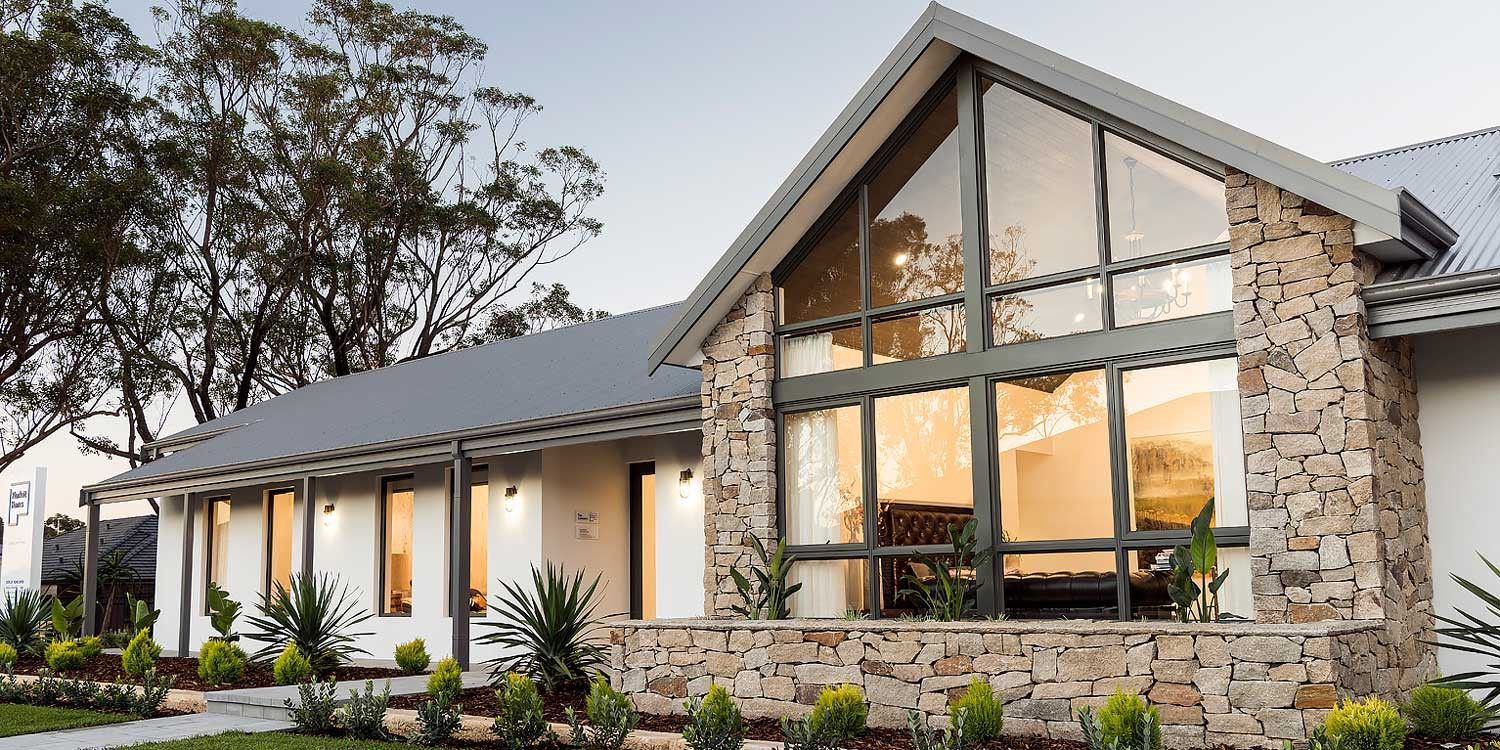 Pin By Lauren Welch On Jack Chels Home Ideas Country Home Exteriors Country House Design Australian Country Houses