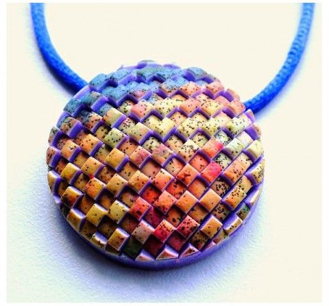 While it's still Summer in the northern hemisphere, but heading towards cooler climes in the south, we have a visually fun and wonderfully tactile pendant by Lillian de Vries. You can check our more of her pieces that incorporate texture and visual interest and even some miniatures through her blog and Craftliners pages. Check out The Polymer Arts magazine blog for more, http://www.thepolymerarts.com/blog/10808