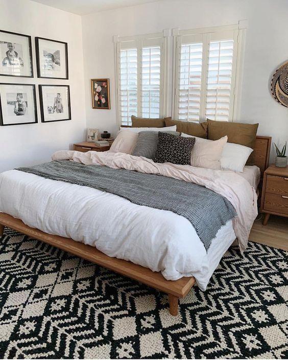 Inspiring Master Bedroom Decoration ideas   My wall decor ideas