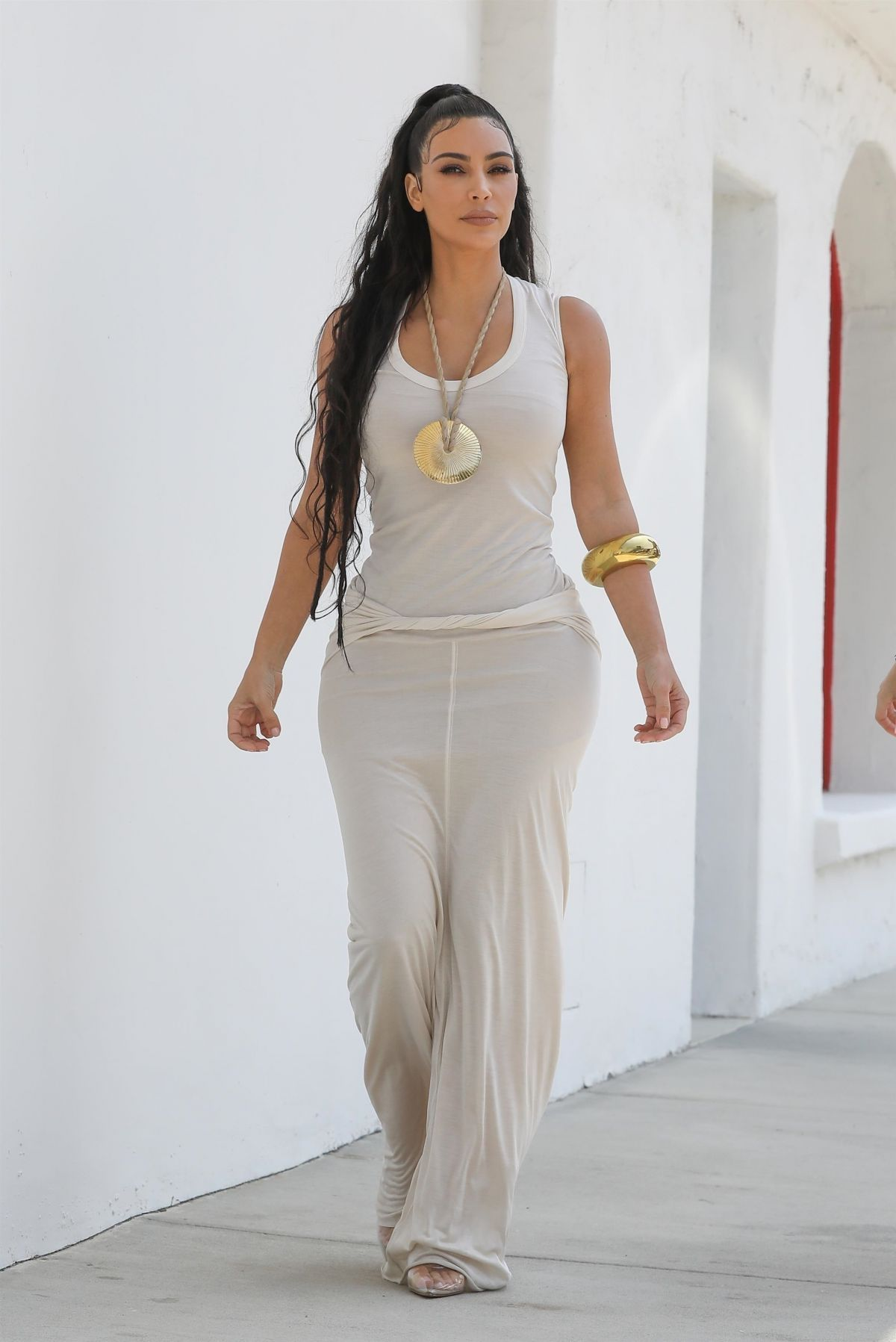 Kim kardashian, Kardashian dresses and Dress clothes on