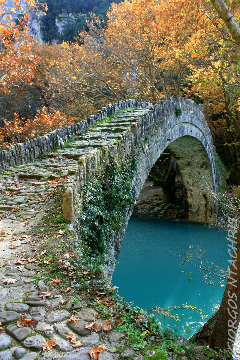 The Bridge of Klidoniabistas or Voidomatis is an arched stone bridge which has an opening 20 meters and a height of 9 meters. From the Byzantine period, the bridge is built and rebuilt to be completed in 1853 at the expense of Balkiz Khanum point ending the Vikos gorge, spent the considerable sum of 37,000 piastres. It joins the two banks of the river Voidomatis, where he got his second name and is excellent structure. Old residents moved through the bridge from West to Zagori Konitsa. The…