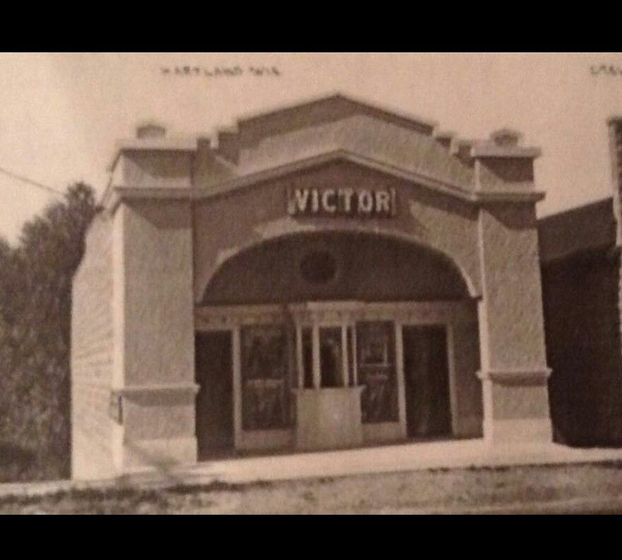Movie Theater Hartland Wi Hartland Hartland Wisconsin Movie