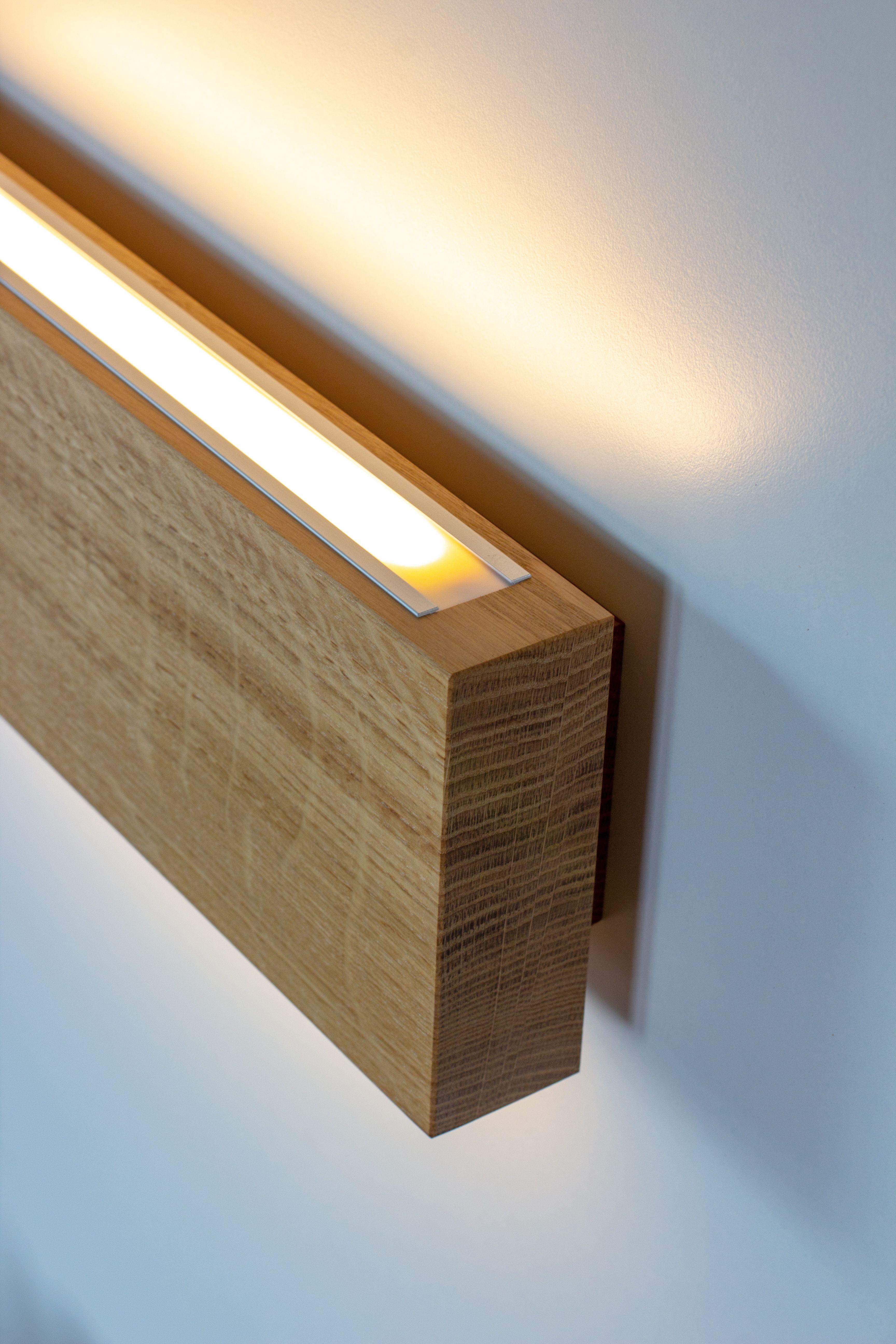 Wandleuchte Rechteck 1 Aus Massiver Eiche Etsy Éclairage Caché Lampe Bois Design Luminaire Bois