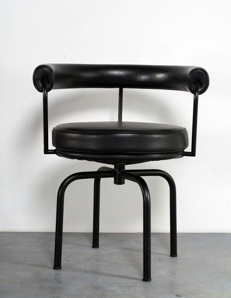 Design Meubels Groningen.Le Corbusier Model Lc7 Design Swivel Chair For Cassina Sold At