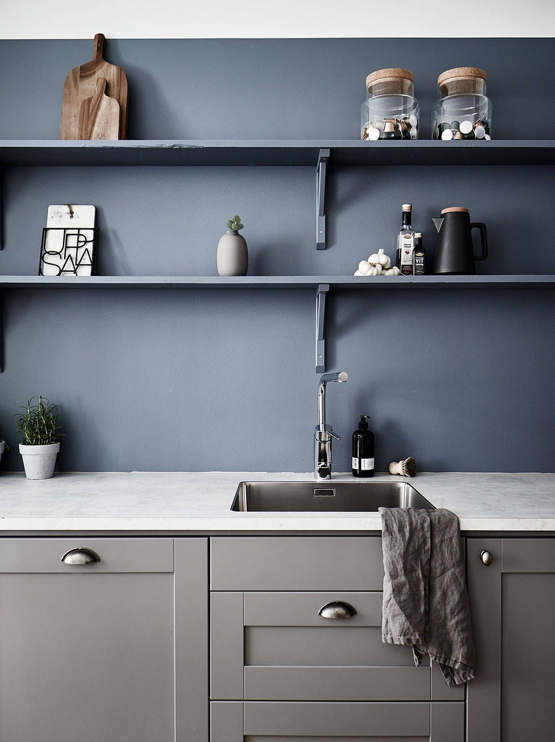 Kitchen in warm grey and petrol blue   COCO LAPINE DESIGN   Grey ...