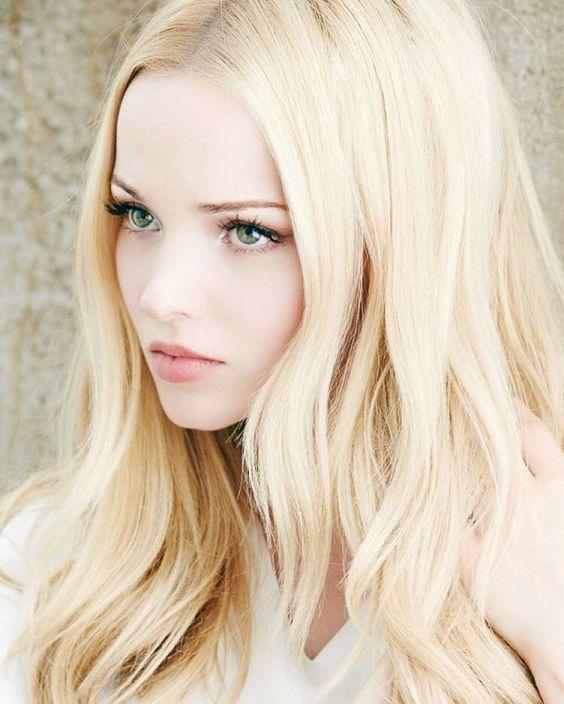 Девушки с светлыми волосами и голубыми глазами