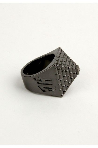 Han Cholo Pyramid Ring - Gun Metal