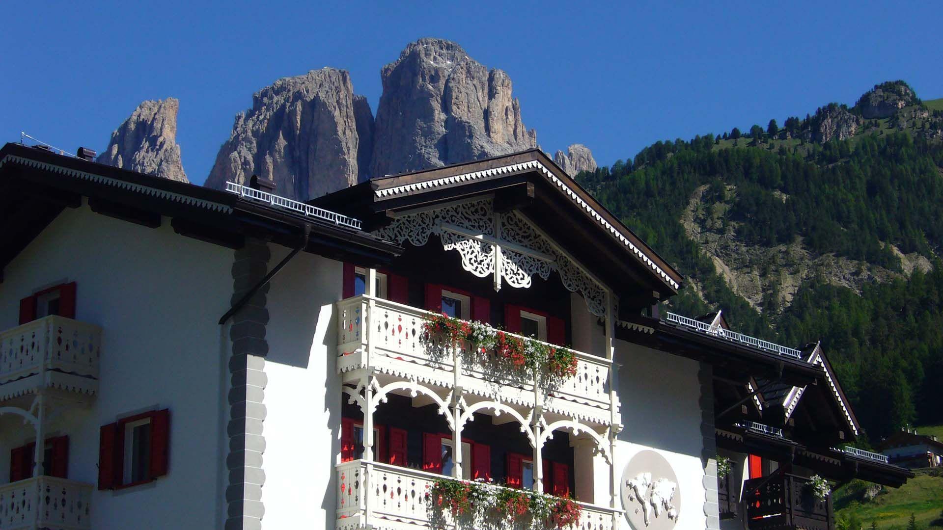Biblioteca all'hotel di charme Villa Klofer a Campitello