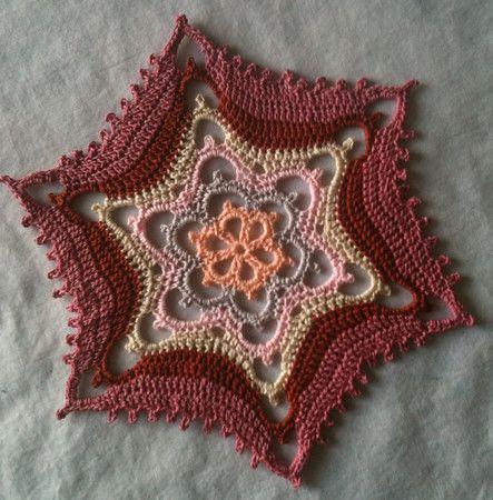 Gorgeous Valentine Wave II snowflake, by Deborah Atkinson. Free pattern.