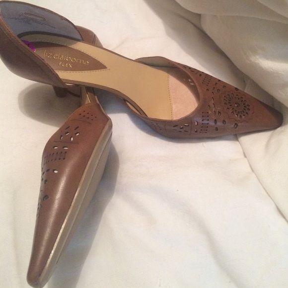 Tan kitten heels Never worn Liz Claiborne kitten heels. Liz Claiborne Shoes