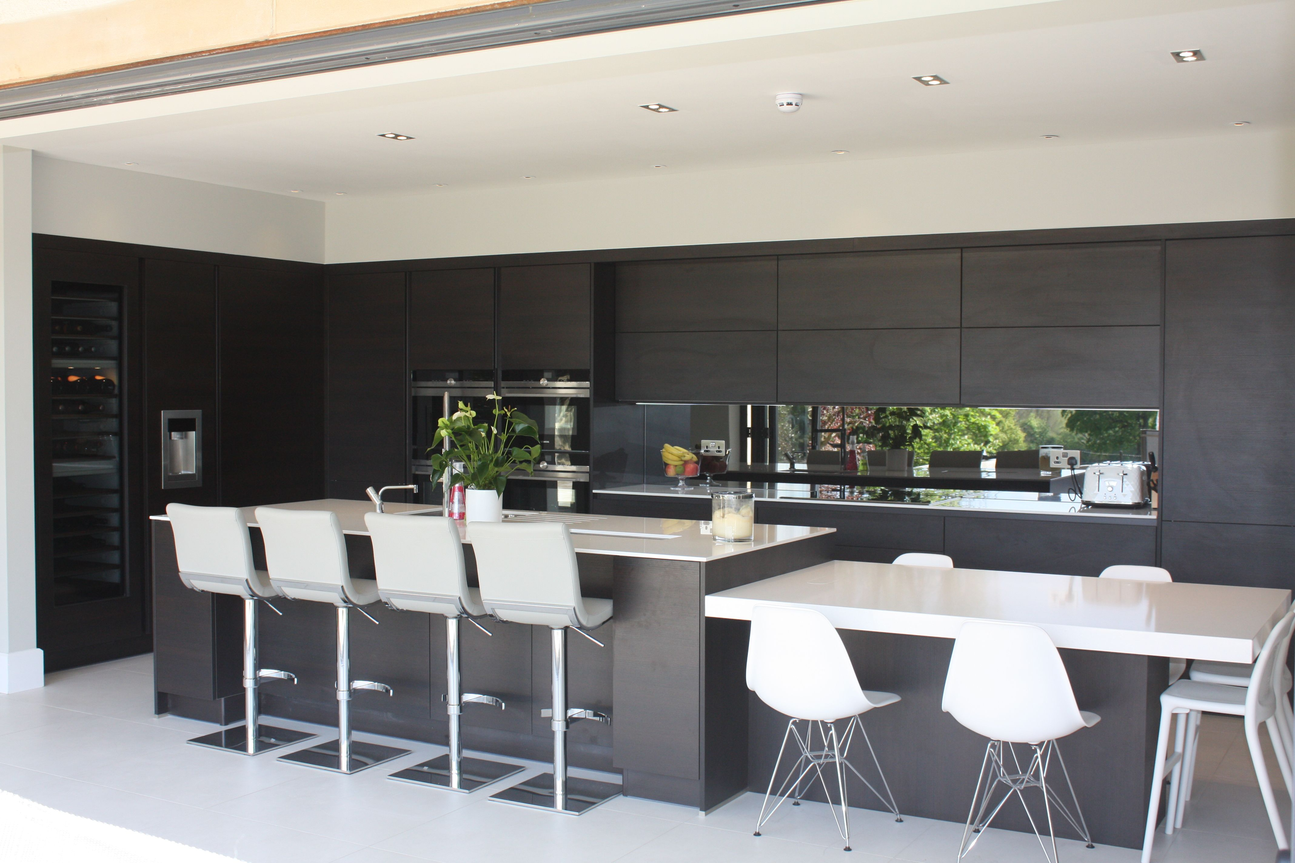 Dark Oak Contemporary Kitchen Diner
