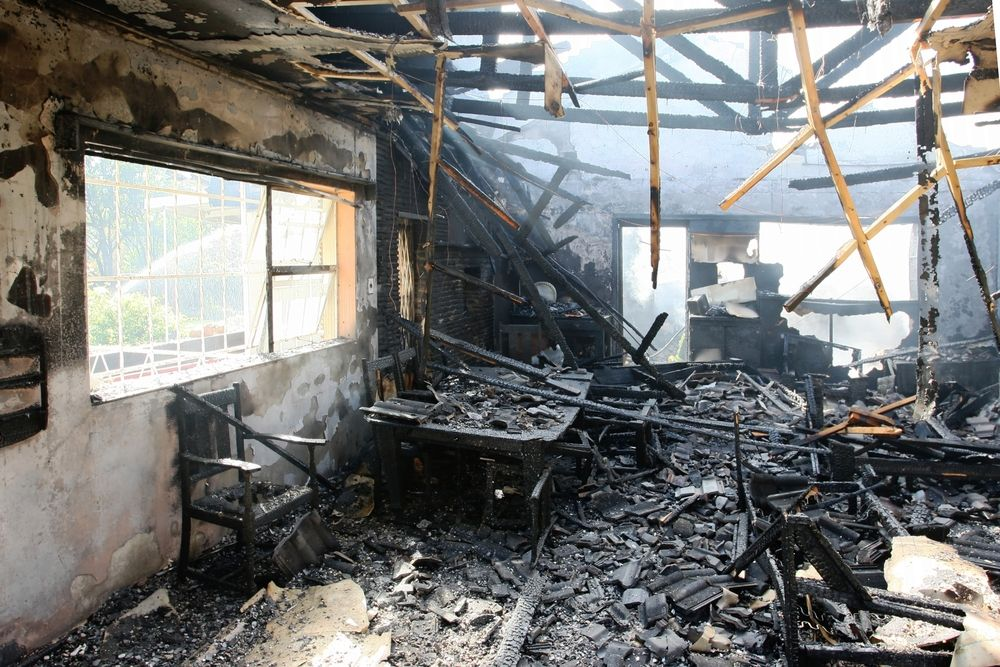 How To Keep Your Home From Smelling Like Smoke Fire Damage