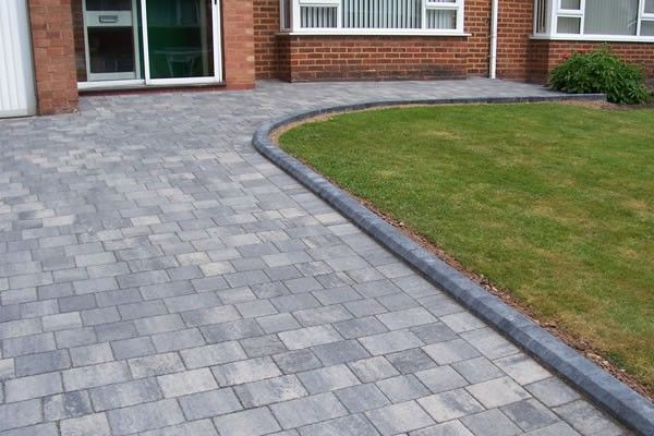 Block Paving Drive Designs Google Search Block Paving Driveway Driveway Landscaping Brick Paving