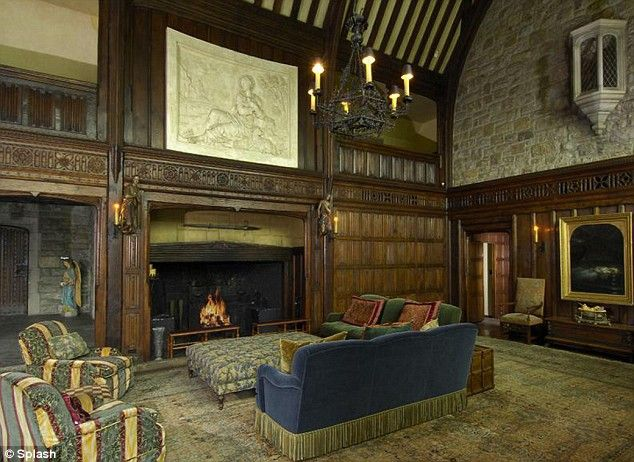 Mel gibsons tudor style mansion in greenwich tudor style mansion and interiors