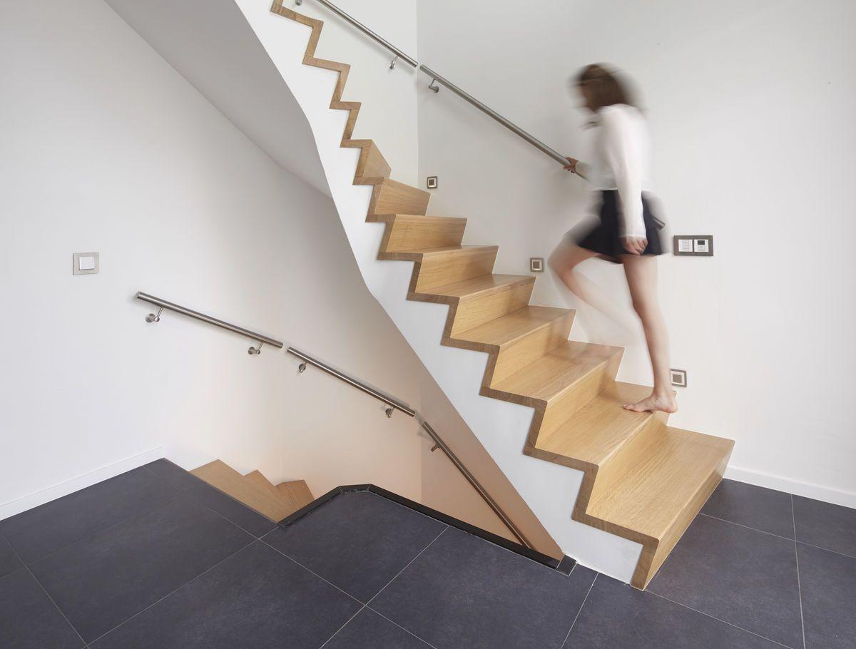 Betonnen trap met massief eiken overzet treden houten trappen in