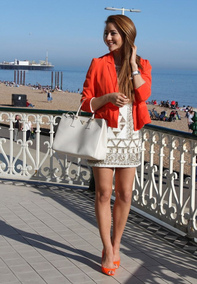 254749d2d8d6 25 Trendy Street Style Dresses for the Summer - Fashion Diva Design ...