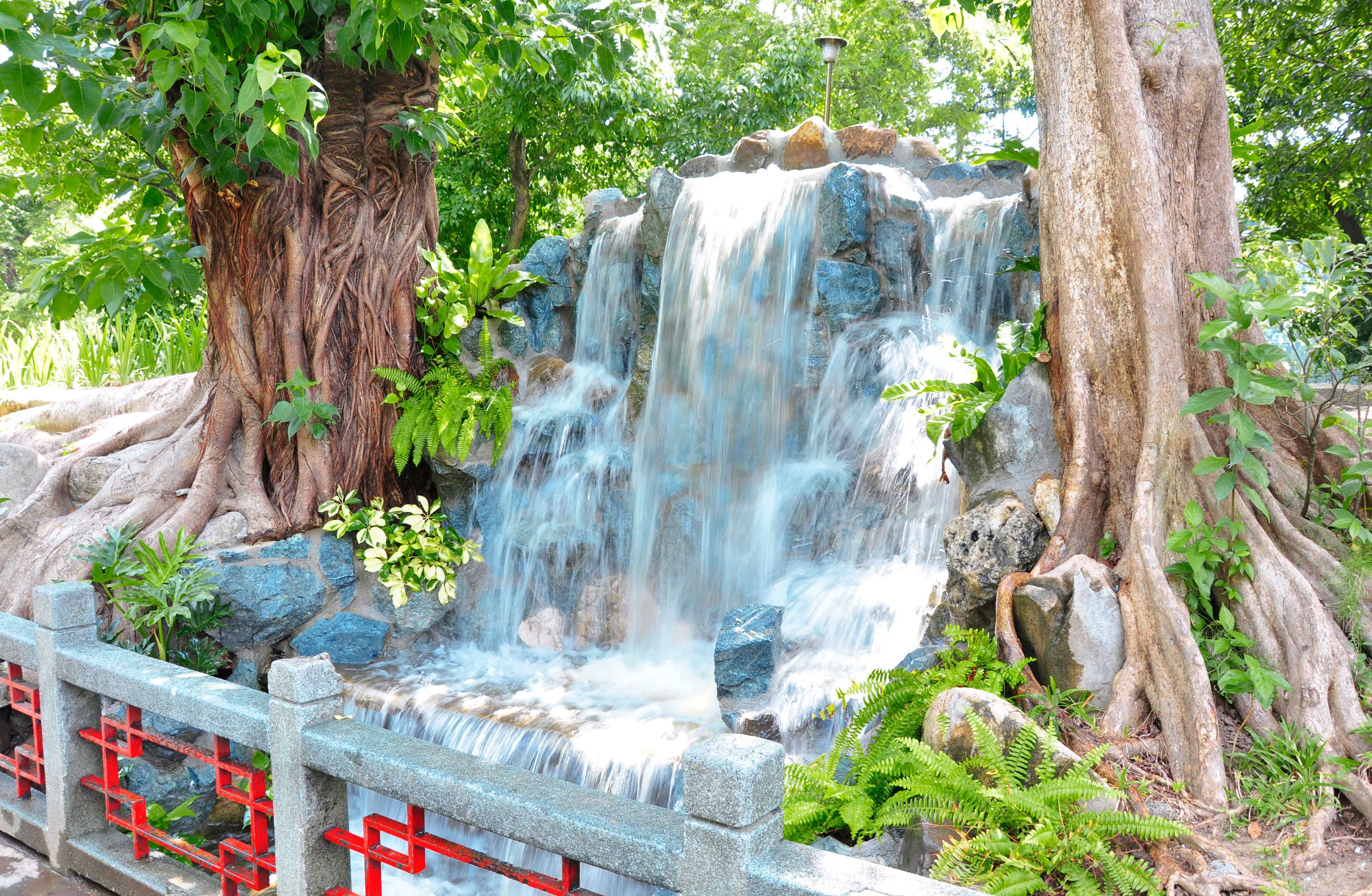 chinese garden waterfalls in luneta park manila philippine