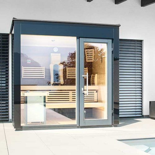 au ensauna outdoor sauna im garten direkt vor dem pool die sauna ist mit thera med. Black Bedroom Furniture Sets. Home Design Ideas
