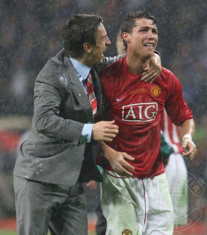 Gary Neville And Cristiano Ronaldo Of Manchester United Celebrate After Winning The Uefa Champions Leagu Cristiano Ronaldo Manchester Cristiano Ronaldo Ronaldo
