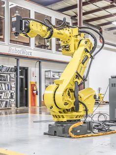 Fanuc R 2000ia 200f Rj3ib Industrial Robotic Arm Industrial Robots Robot Arm