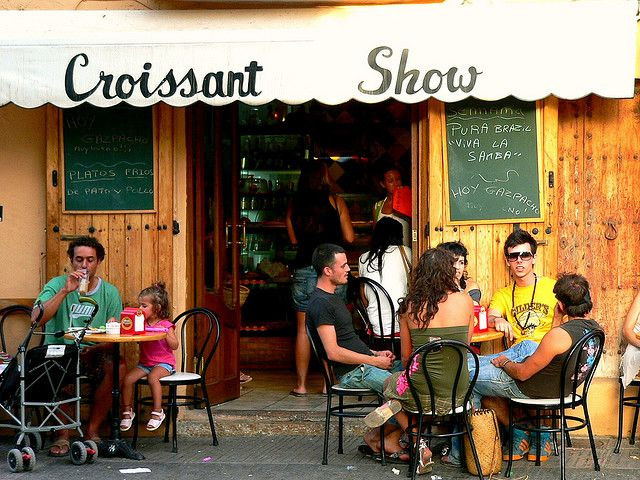 Croissant Show - A breakfast ritual in IBIZA!