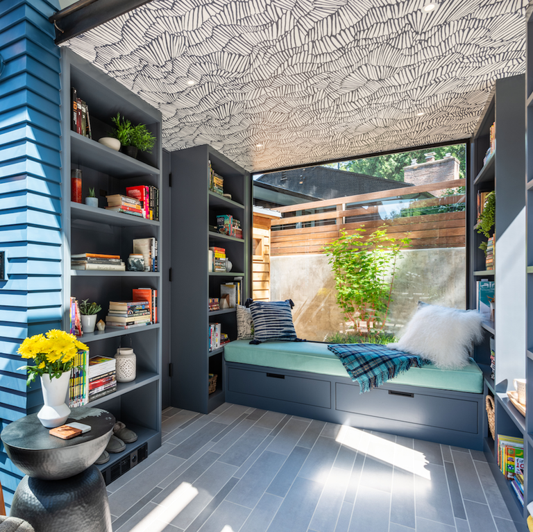 These Homeowners Turned A Tiny Home Into A Dreamy Backyard