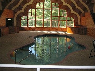 16/18 New York Catskills + Indoor Pool