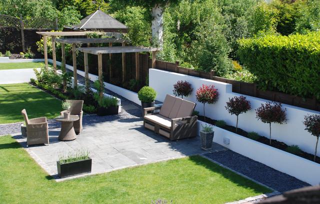 Large contemporary garden Contemporary Garden