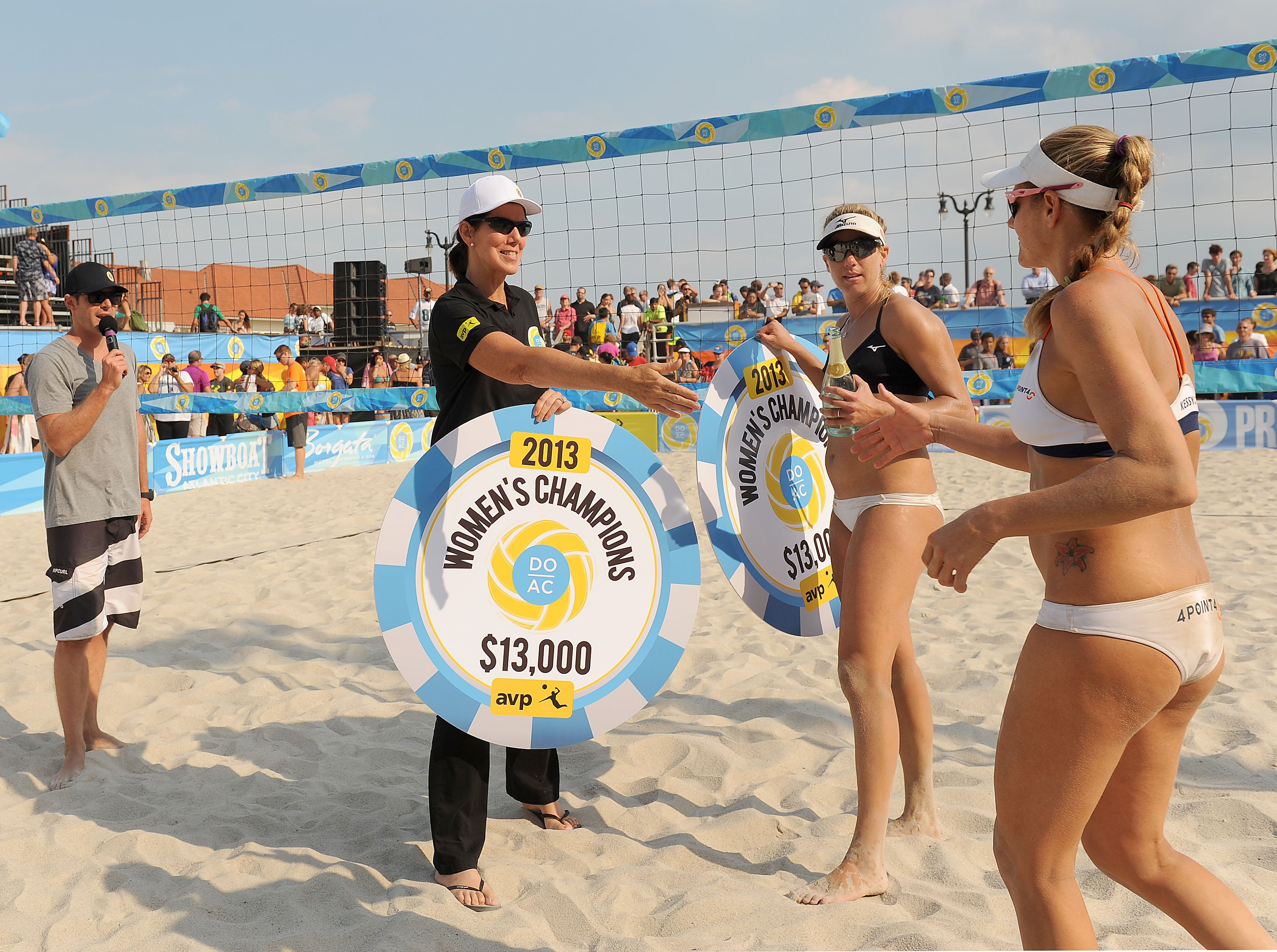 Liza Cartmell Atlantic City Alliance Presenting The Women S Championship Prize Atlantic City Beach Volleyball Volleyball Tournaments