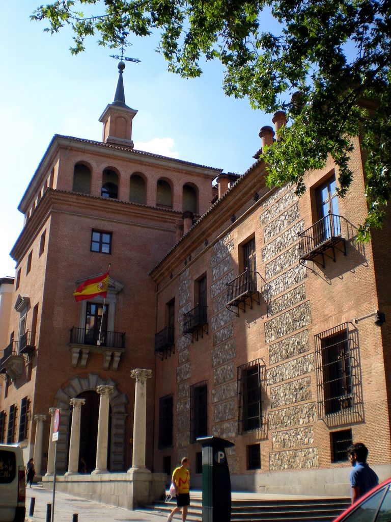 Casa De Las Siete Chimeneas Plaza Del Rey Comunidad De Madrid Madrid España España