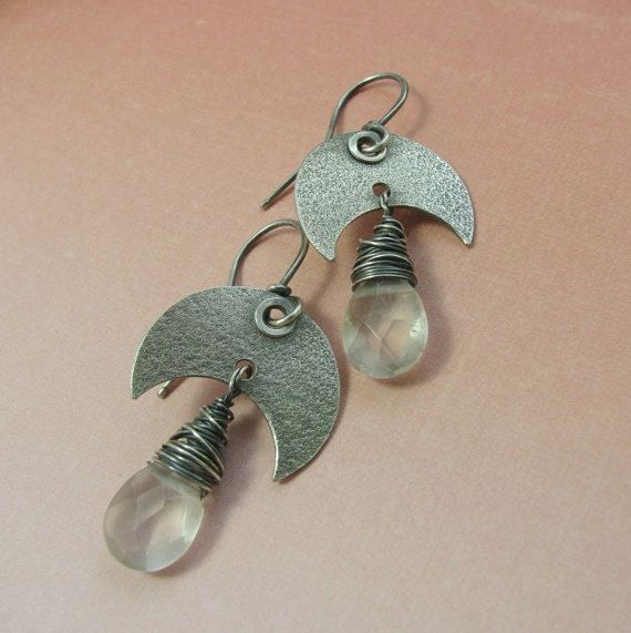 Luna pendientes de cristal de cuarzo Sterling por Mocahete en Etsy