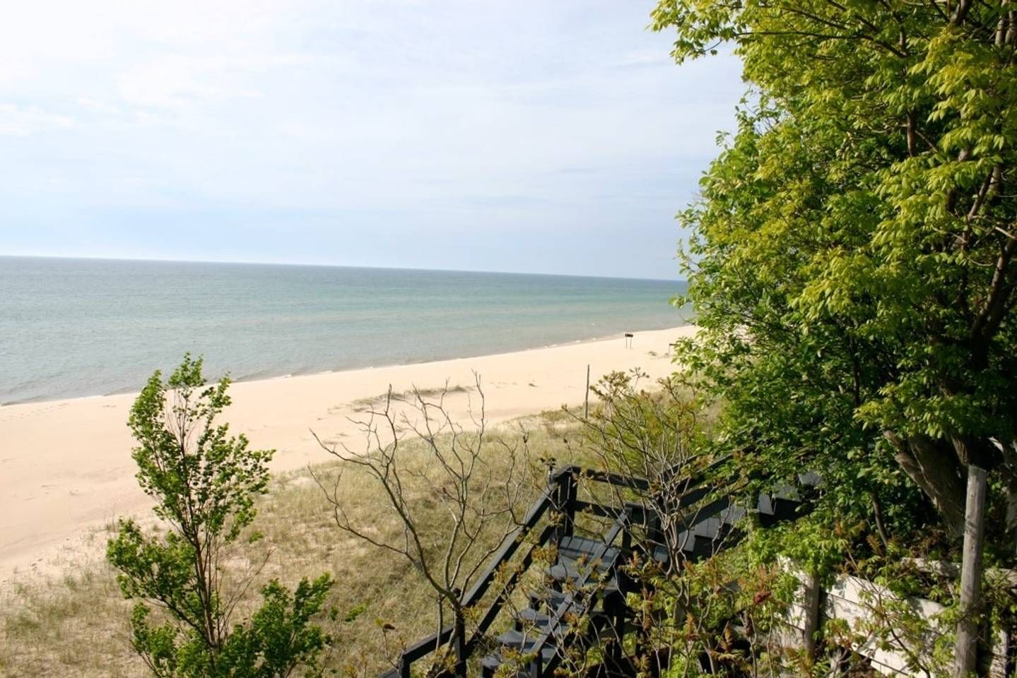 Lake michigan house cottages for rent in mears michigan