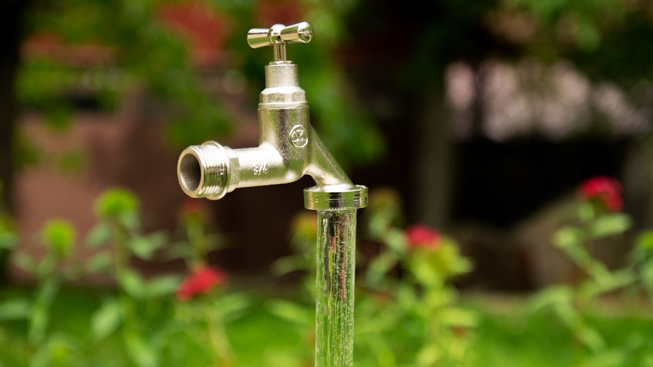 Today I'm going to show you how to build a floating faucet