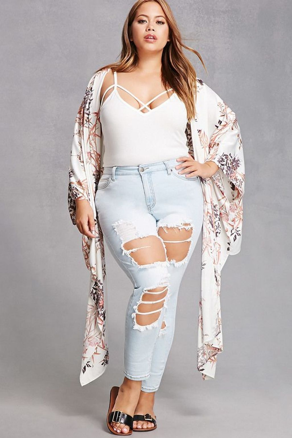 77b31881134f5 Awesome 46 Cute Plus Size Summer Outfit Ideas. More at https   wear4trend