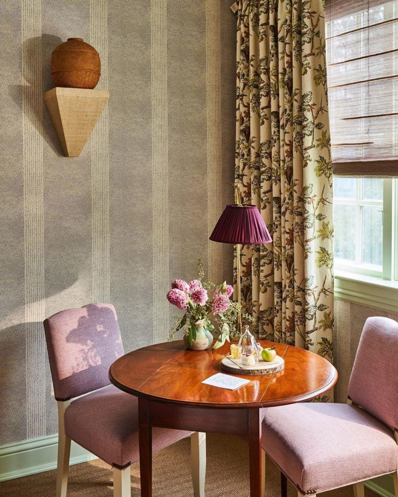 Celerie Kemble Redecorates Connecticut S Mayflower Inn Spa Katie Considers In 2020 Interior Purple Decor Home Decor