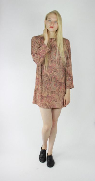 90s mini dress long sleeve mini dress taupe shift dress muted brown floral pattern textured dress ribbed mini dress small sm s by RedLuckVintage (28.00 USD) http://ift.tt/1I9E1fv  Etsy 90s mini dress 1990's dress 90's shift dress taupe long sleeve dress muted floral patter
