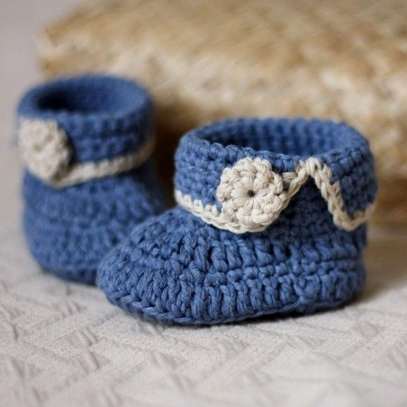 Crochet PATTERN for baby booties - Short Cuff Baby Boots | Cargador ...