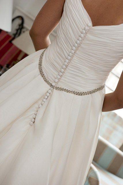 el toque chic del vestido de novia de blanca | vestidos | pinterest